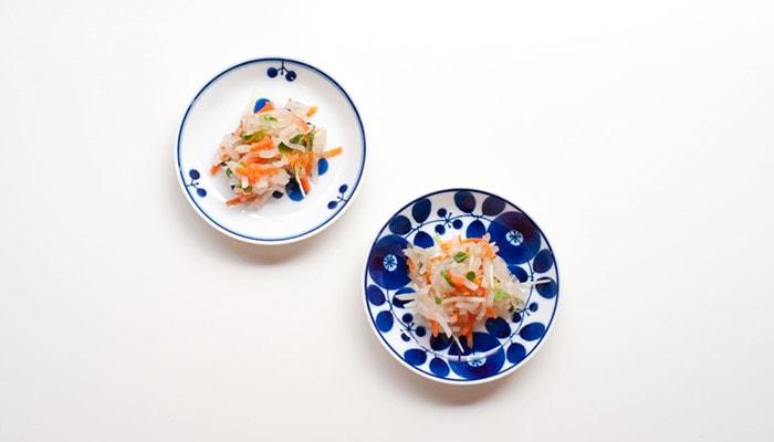 Plate S of Bloom series from Hakusan Toki