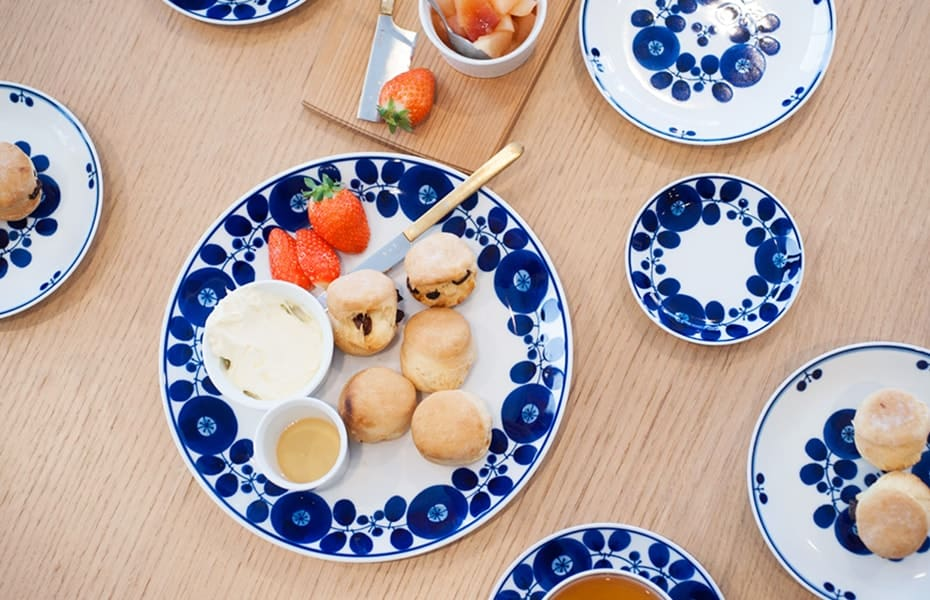 Beautiful blue and white dishes, Bloom series