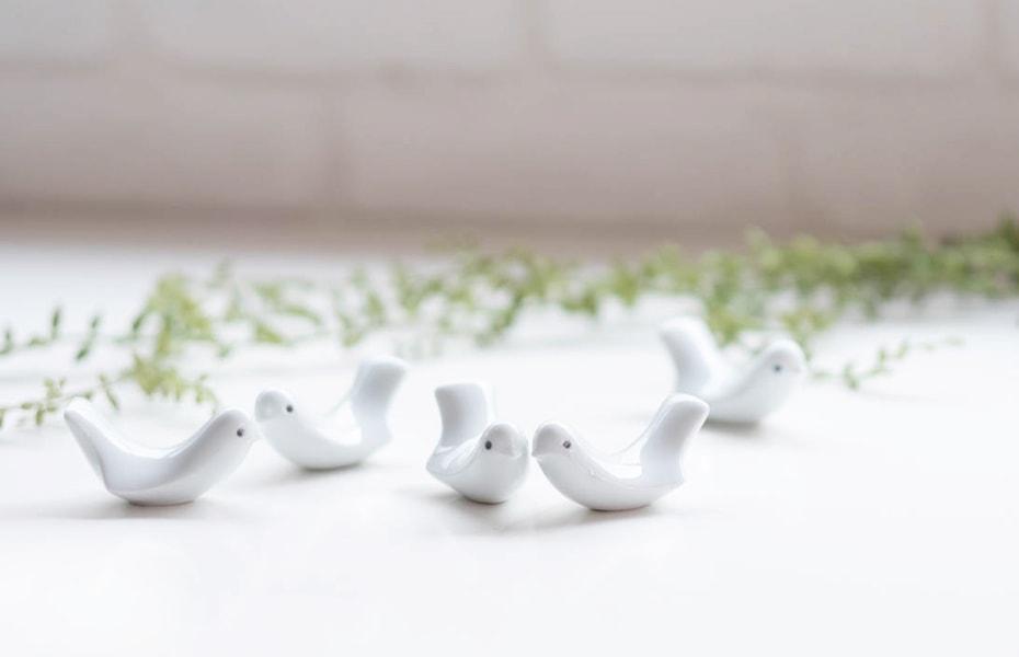 白山陶器の箸置きラブバード 可愛い小鳥はギフトに人気