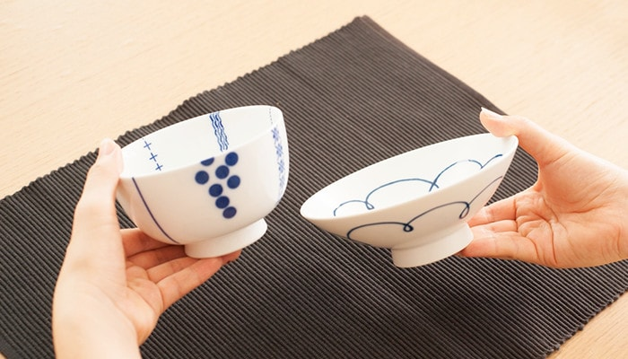 Comparing the sizes of rice bowls of Azmaya and Hakusan Toki