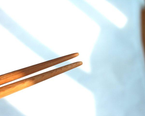 箸蔵マツ勘手作り箸キットの箸の先端部分
