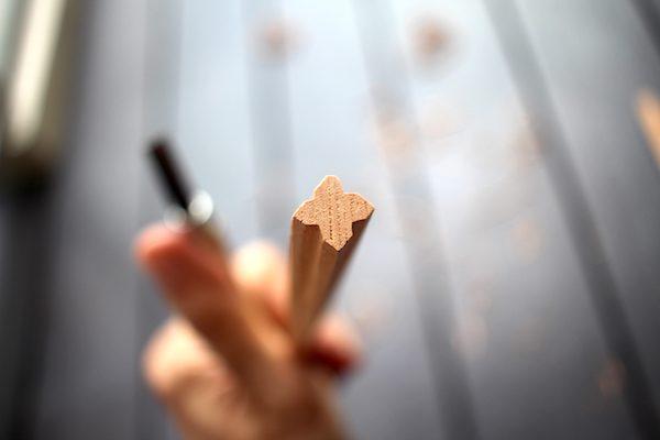 クローバーのカタチに削った箸