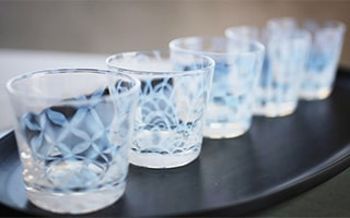 Taisho Roman glass. Craft products that produce the work of Japanese craftsmen