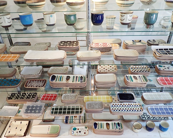 A lot of Okinawa pottery in the gallery of Issui pottery