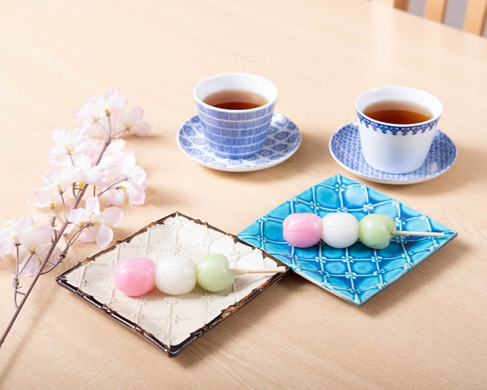 Hanami dumpling on Square plates of Okinawa pottery