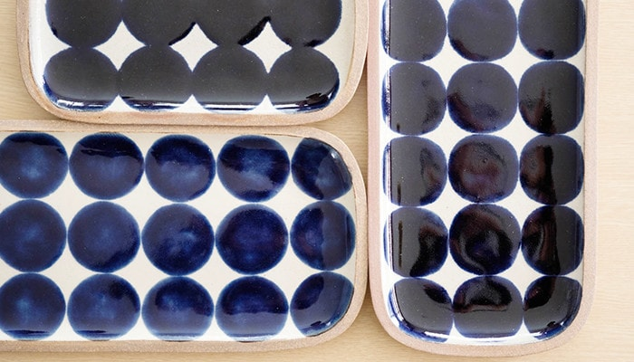 """Various sizes and colors of circles in """"Gosu Maru Mon"""" plates"""