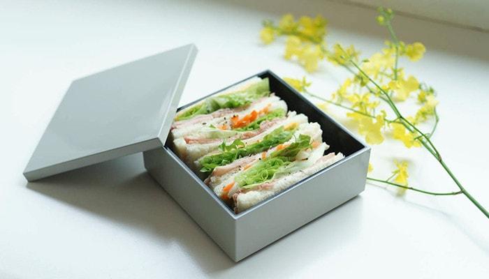 サンドウィッチが入った1段のみの重箱