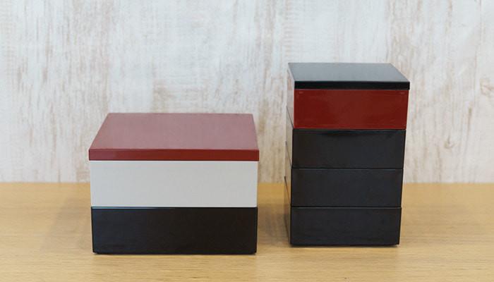 Comparison of 6.5 sun and 4.5 sun Jubako boxes for Osechi