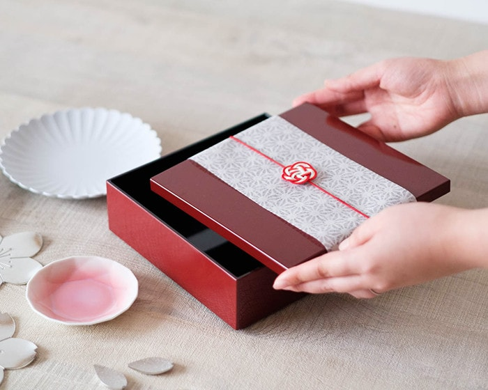 Red Jubako gift box
