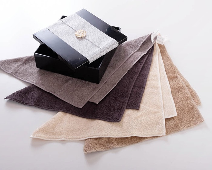 Hand towel gift set with Jubako box