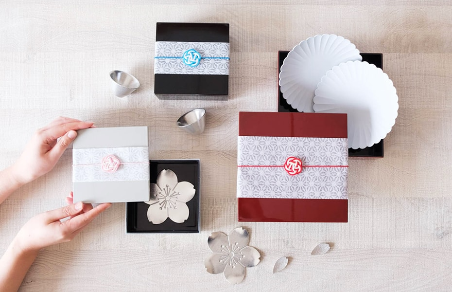 Surprising Japanese gift box set