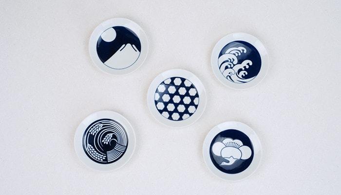 KIHARA KOMONの季節紋シリーズの豆皿5種類を上から見た様子