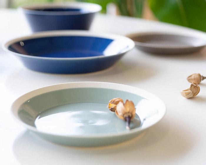 Plates in dishes series by yumiko iihoshi porcelain × Kimura glass