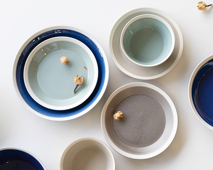 Look down plates and bowls by iihoshi yumiko