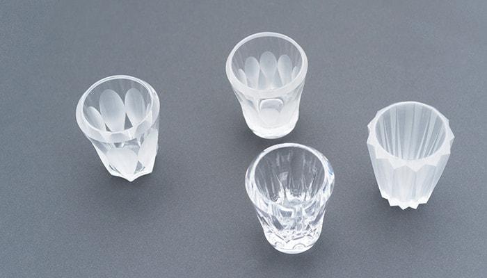 木村硝子店のミタテシリーズのグラス4つを斜め上から撮った写真
