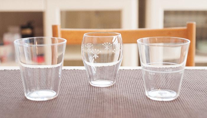 木村硝子店の薄玻璃(うすはり)グラス、オーブシリーズのタンブラーが3つ並んでいる