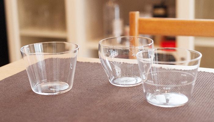 木村硝子店の薄玻璃(うすはり)グラス、オーブシリーズのロックグラスが3つ並んでいる