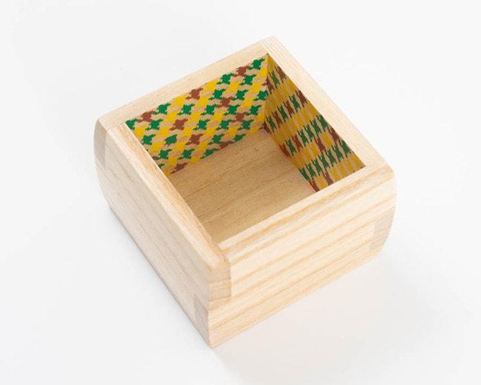 鶯(うぐいす)のデザインの増田桐箱店福ますます