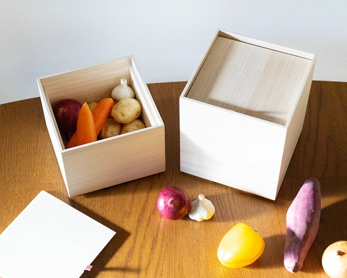 Wooden vegetable storage boxes from Masuda Kiribako and vegetables