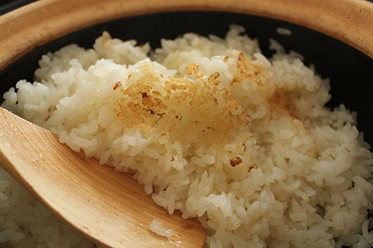 Scorched rice cooked by donabe rice cooker