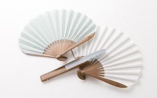 Fresh and cute! Folding hand fan Fuwari
