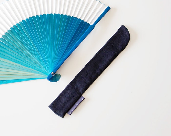 Blue gradation fan and its fan porch