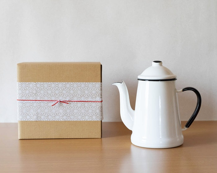 L'ambre pot and its exclusive box with Easy wrapping