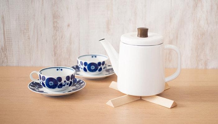 野田琺瑯のポトルと白山陶器のブルームカップ
