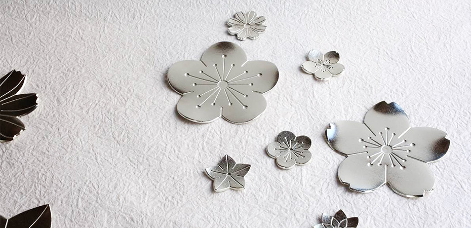 Beautiful Japanese dessert plates Flower tray from Nousaku