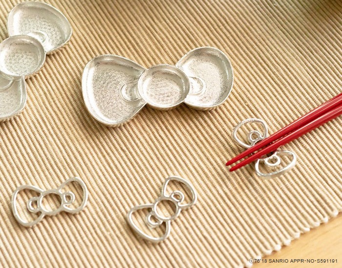 Ribbon trays and chopstick rests of Hello Kitty from Nousaku