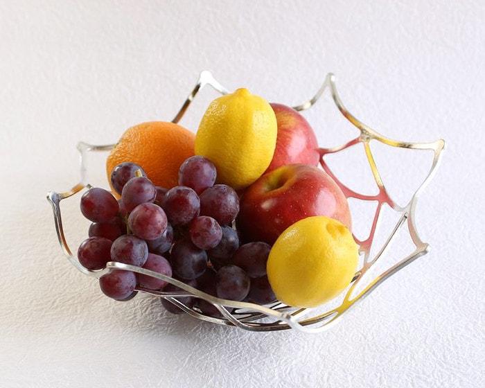 能作のKAGOとフルーツ