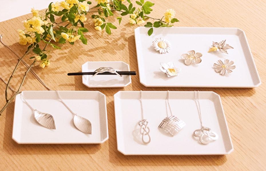 Tin jewelries from Nousaku