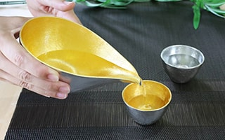Tin sake cup for making Japanese sake delicious