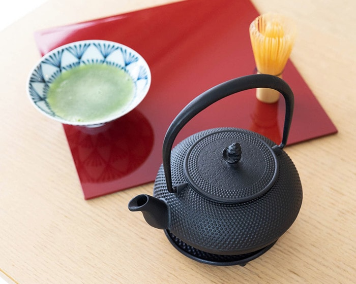 Tea ceremony with Nanbu tetsubin