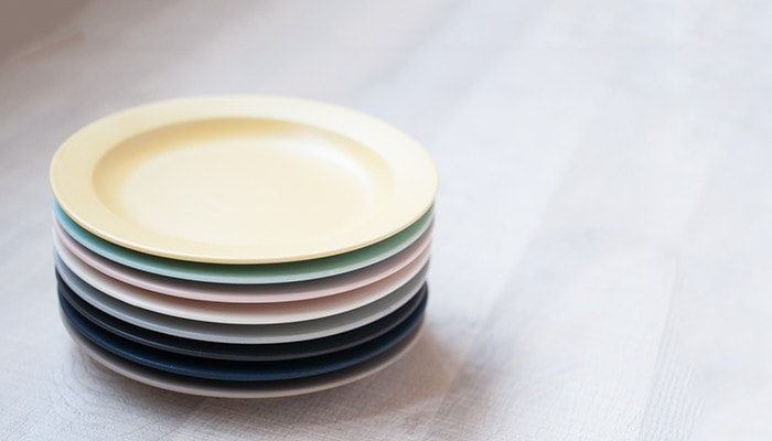 8 plates of DAYS series are piled up