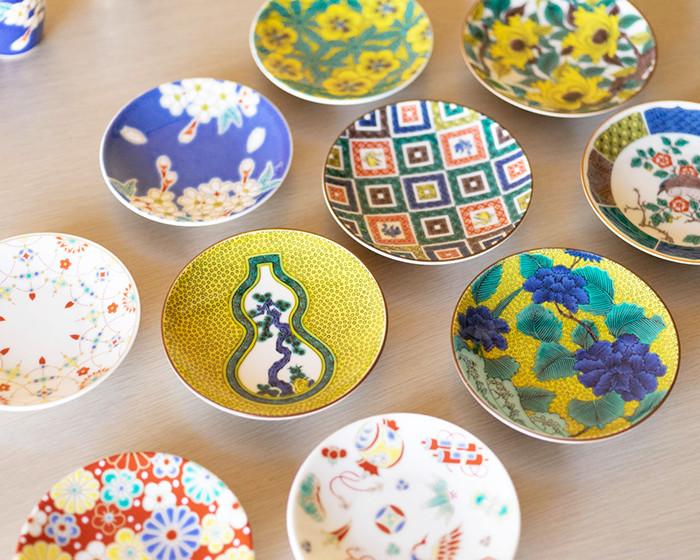 青郊窯の九谷焼豆皿