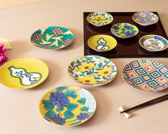 Kutani ware plates of Masterpiece collection of Ko Kutani
