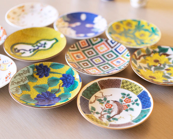 Colorful Kutani ware tableware from Seikou porcelain