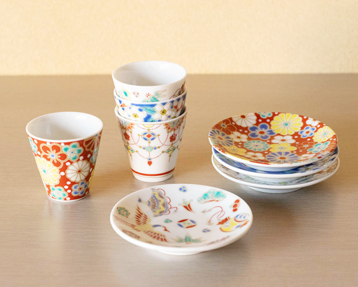 Cups and plates of Kissho series from Seikou porcelain