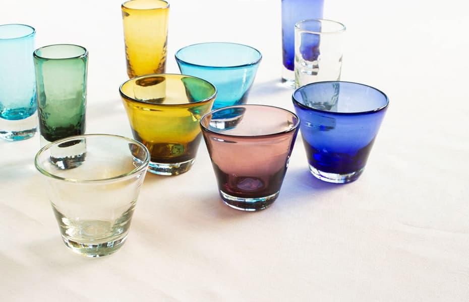 色とりどりのコーングラス・一口ビアグラス