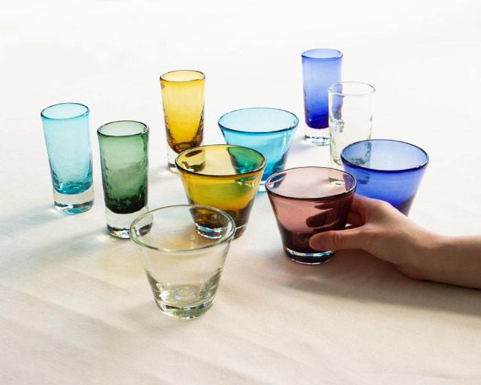 色とりどりな清天のコーングラスと一口ビアカップ