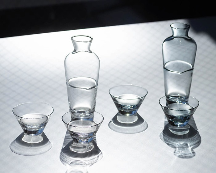 Sake glass sets of Duo on the table