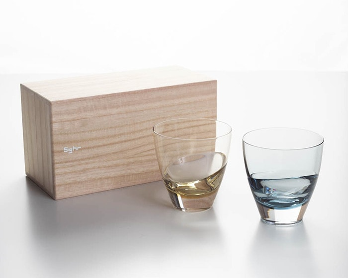 Pair glass of cascade and its exclusive paulownia box