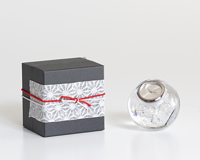 Glass clock piccolo orologio and its exclusive box with Easy wrapping