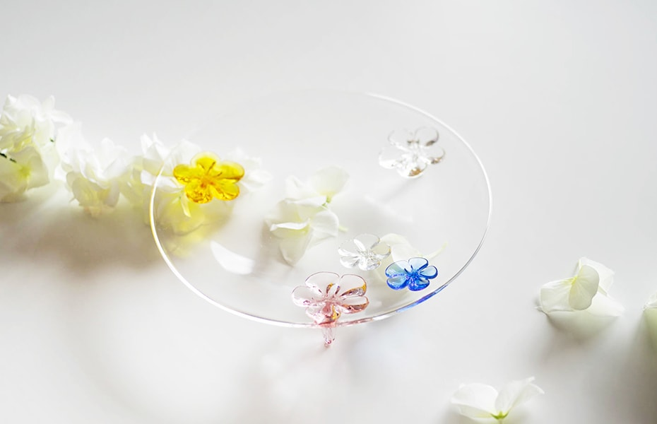 Floral glass plate camellia from Sghr