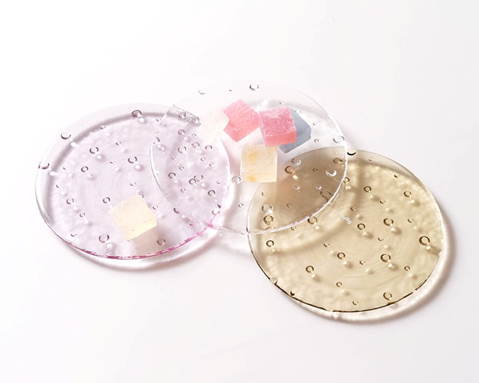 Japanese confectionery on 15cm droplet plate from Sghr