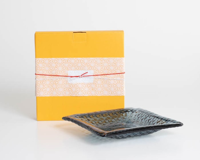 Grid plate and its exclusive box with Easy wrapping
