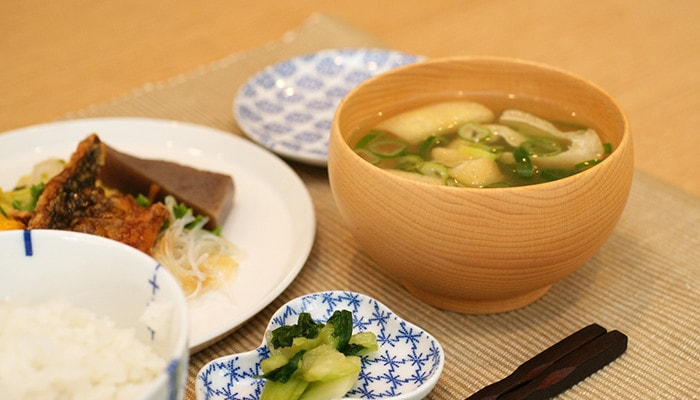 Wooden soup bowl Meibokuwan with miso soup