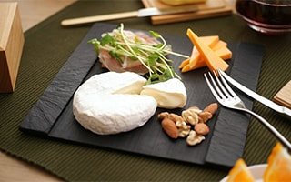 Stylish slate cheese board SUZURI