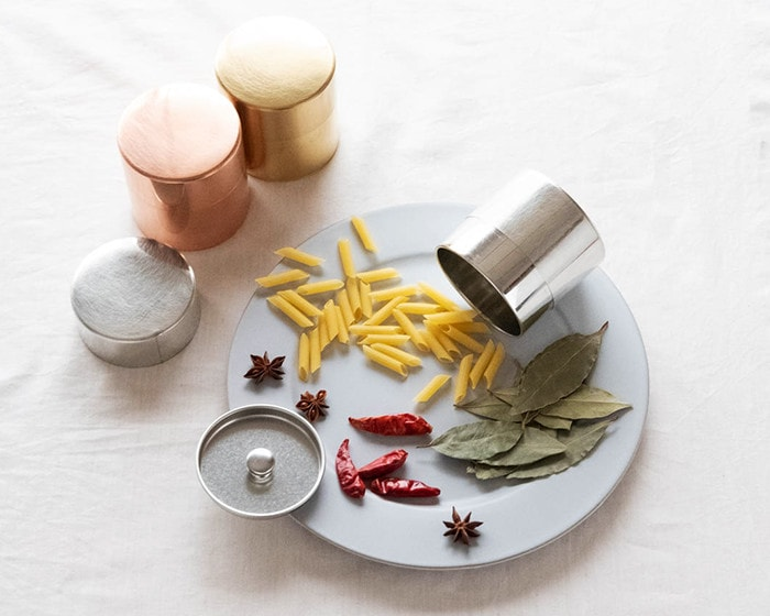 Spices and tea caddies from SyuRo